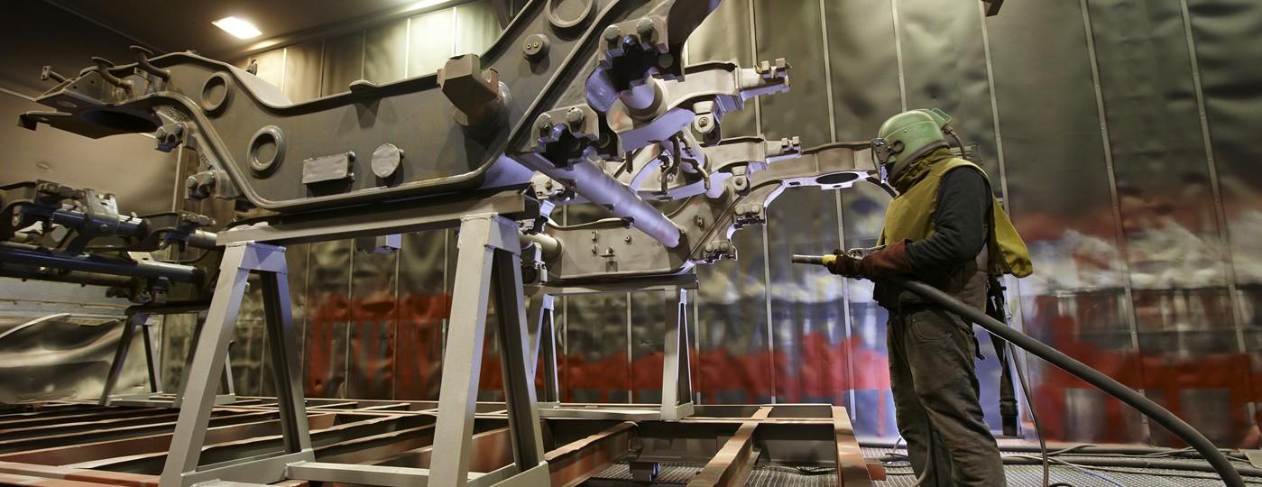 Granallado de piezas de metal de grandes dimensiones